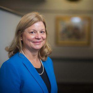 Beverly Zolnowski Headshot